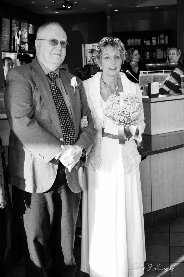 © 2014 Cloud 9 Imagery - Shelley & Benny at Starbucks